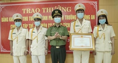 Phòng ANĐT Công an TP Đà Nẵng  và Bệnh viện 199 nhận Bằng khen của Thủ tướng