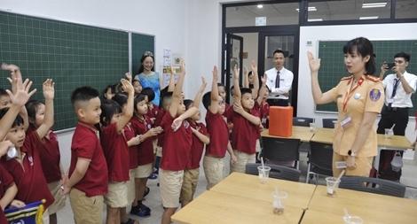 Tuyên truyền về an toàn giao thông cho học sinh tiểu học