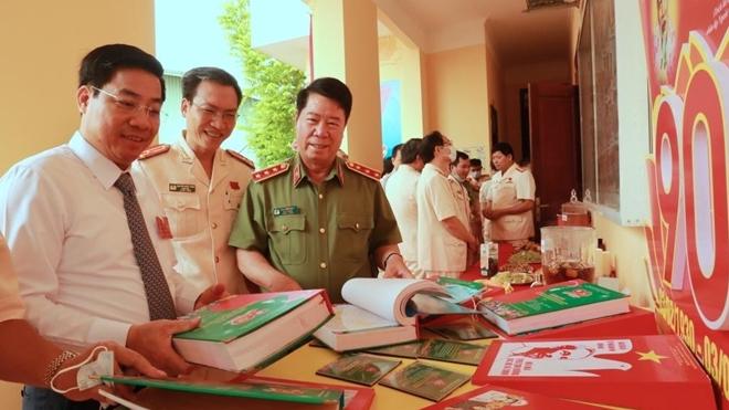 Thứ trưởng Bùi Văn Nam dự Đại hội Đảng bộ Công an tỉnh Bắc Giang - Ảnh minh hoạ 4