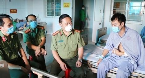 Trung uý Công an bị thương khi bắt tội phạm ma tuý