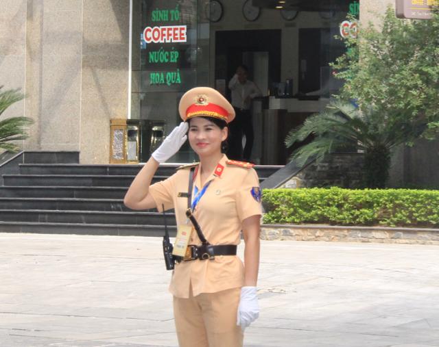 Ấn tượng nữ CSGT dẫn đoàn phục vụ ĐHĐB Công an Trung ương - Ảnh minh hoạ 6