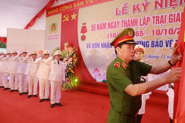 Trại giam Vĩnh Quang đón nhận Huân chương Bảo vệ Tổ quốc hạng Nhì - Ảnh minh hoạ 3