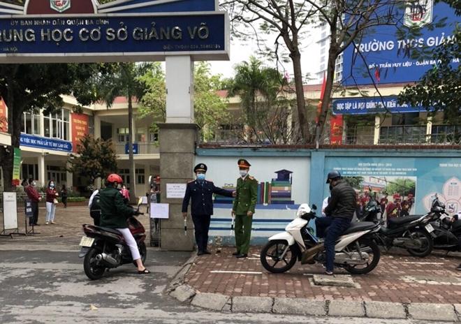 Ngày đầu tiên học sinh Thành phố Hà Nội trở lại trường học: tình hình TTATGT ổn định