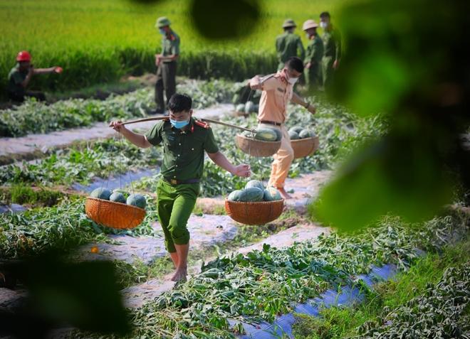 Những khoảnh khắc không quên giữa tâm dịch Bắc Giang - Ảnh minh hoạ 2