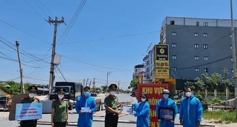 """Đóng góp của hàng nghìn """"nhà báo nhân dân"""" trong chống dịch ở Bắc Giang"""