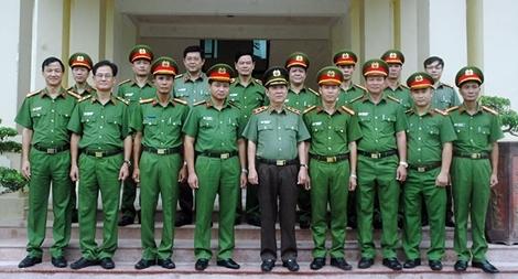 Thứ trưởng Nguyễn Văn Sơn kiểm tra công tác tại Trại giam Nam Hà