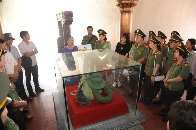 Báo CAND tri ân các liệt sĩ trong hành trình về nguồn tại Quảng Trị 1 - Ảnh minh hoạ 25