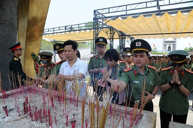 Báo CAND tri ân các liệt sĩ trong hành trình về nguồn tại Quảng Trị 1 - Ảnh minh hoạ 15