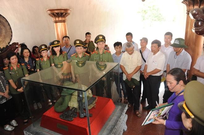 Báo CAND tri ân các liệt sĩ trong hành trình về nguồn tại Quảng Trị 1 - Ảnh minh hoạ 24