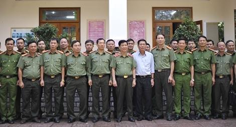 Thứ trưởng Nguyễn Văn Sơn kiểm tra công tác tại Công an Đắk Nông