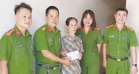Bộ trưởng Tô Lâm gửi thư khen các nữ Công an xung phong về xã công tác
