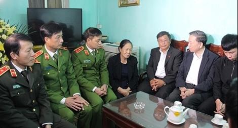 Bộ trưởng Tô Lâm: Các cán bộ chiến sĩ đã hi sinh vì bình yên cuộc sống của nhân dân
