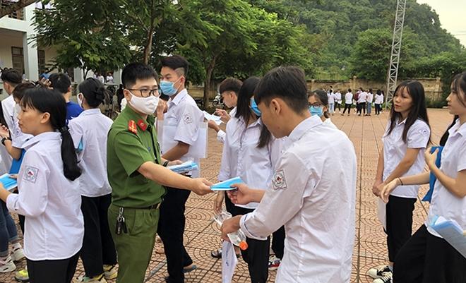 Đảm bảo an toàn cho thí sinh tại các điểm thi tốt nghiệp THPT - Ảnh minh hoạ 18