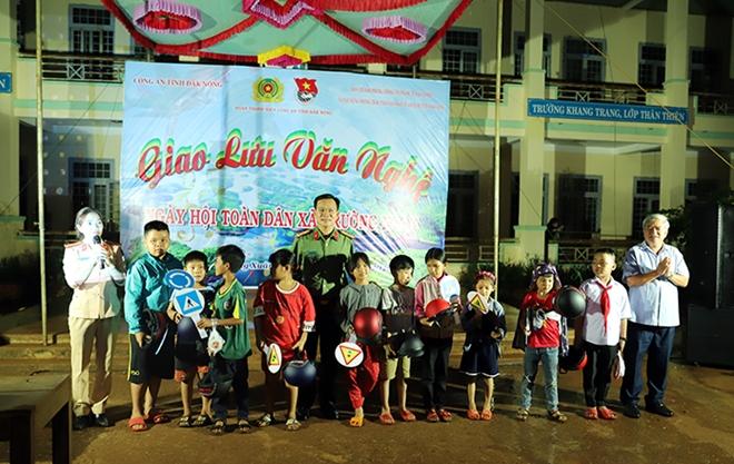 Công an tỉnh Đắk Nông tiếp tục tổ chức nhiều hoạt động ý nghĩa