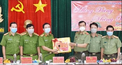 Thứ trưởng Lê Tấn Tới kiểm tra công tác tại Công an tỉnh Bạc Liêu