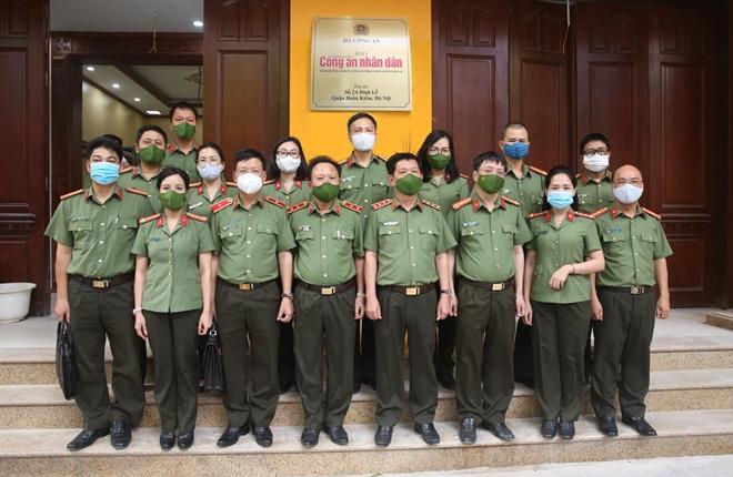 Thứ trưởng Nguyễn Văn Sơn thăm, kiểm tra trụ sở mới của Báo CAND tại số 2 Đinh Lễ - Ảnh minh hoạ 9