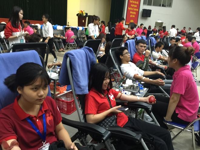 Hiến máu cứu người và những câu chuyện tình nguyện đầy xúc động - Ảnh minh hoạ 6
