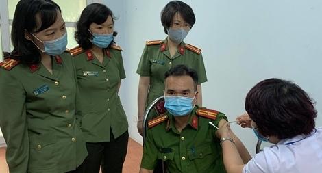 Bộ Công an triển khai tiêm vaccine COVID-19 cho CBCS Công an TP Hà Nội