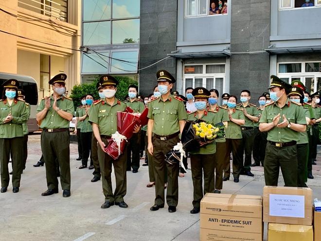 Bệnh viện Y học cổ truyền Bộ Công an: 51 bác sĩ, nhân viên y tế chi viện Bắc Giang - Ảnh minh hoạ 3