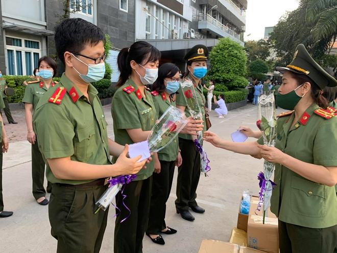 Bệnh viện Y học cổ truyền Bộ Công an: 51 bác sĩ, nhân viên y tế chi viện Bắc Giang - Ảnh minh hoạ 5