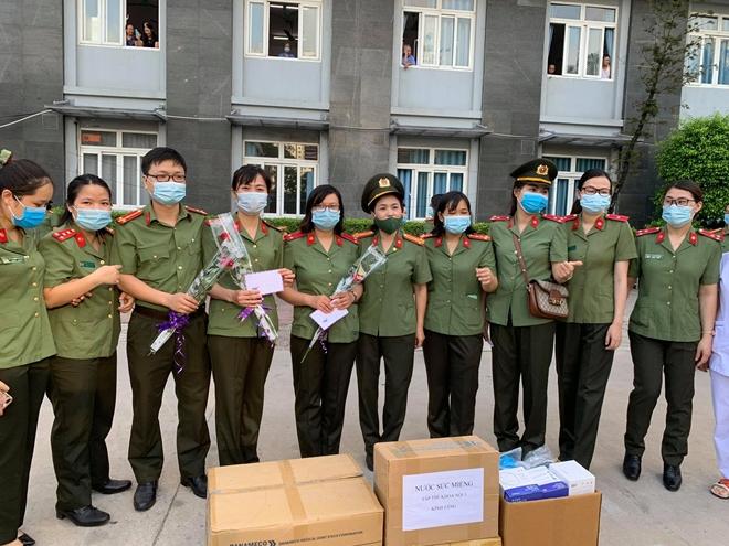 Bệnh viện Y học cổ truyền Bộ Công an: 51 bác sĩ, nhân viên y tế chi viện Bắc Giang - Ảnh minh hoạ 7