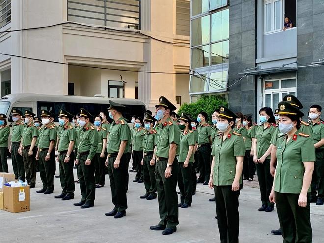 Bệnh viện Y học cổ truyền Bộ Công an: 51 bác sĩ, nhân viên y tế chi viện Bắc Giang - Ảnh minh hoạ 2