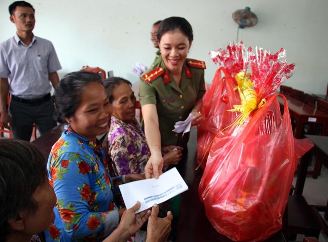 Chút tình Xuân về với đồng bào nghèo Trà Vinh và xứ Dừa - Ảnh minh hoạ 13