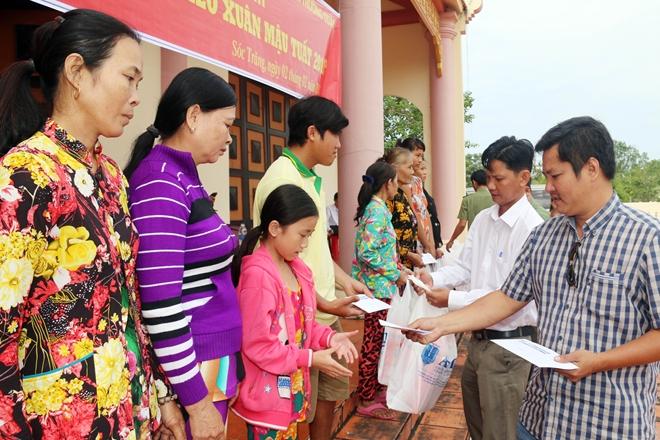 Mang hương Xuân về với bà con 4 xã nghèo nhất tỉnh Sóc Trăng - Ảnh minh hoạ 4