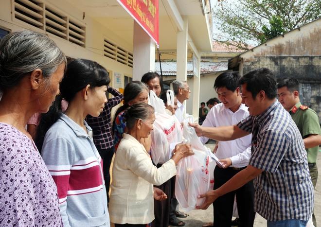Mang hương Xuân về với bà con 4 xã nghèo nhất tỉnh Sóc Trăng - Ảnh minh hoạ 11