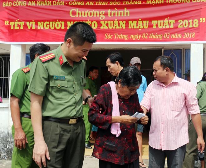 Mang hương Xuân về với bà con 4 xã nghèo nhất tỉnh Sóc Trăng - Ảnh minh hoạ 14