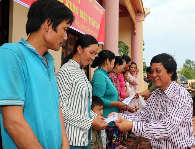 Mang hương Xuân về với bà con 4 xã nghèo nhất tỉnh Sóc Trăng - Ảnh minh hoạ 3
