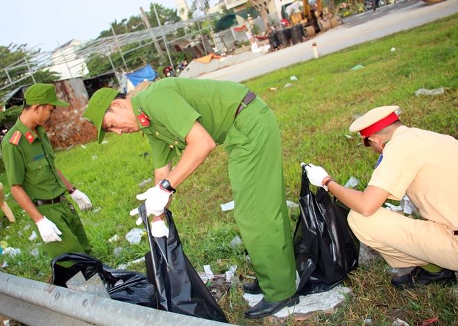 Công an TP Cần Thơ ra quân dọn dẹp vệ sinh cảnh quan môi trường - Ảnh minh hoạ 11