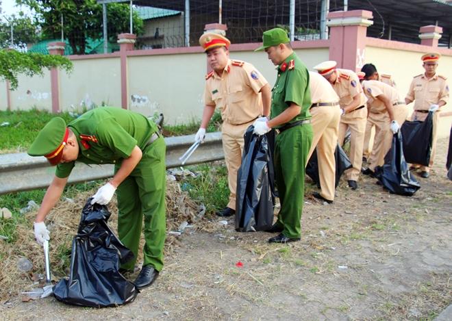 Công an TP Cần Thơ ra quân dọn dẹp vệ sinh cảnh quan môi trường - Ảnh minh hoạ 10