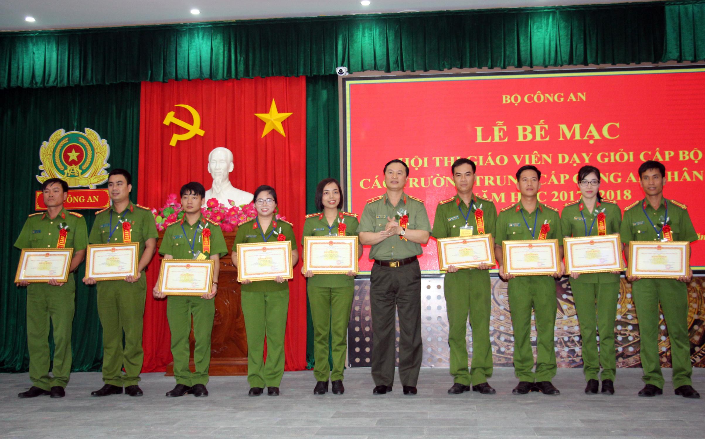 Bế mạc Hội thi giáo viên dạy giỏi cấp Bộ các trường trung cấp CSND