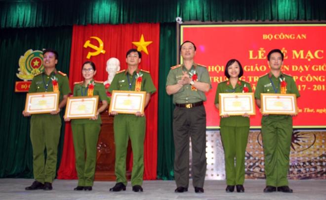 Bế mạc Hội thi giáo viên dạy giỏi cấp Bộ các trường trung cấp CSND - Ảnh minh hoạ 4