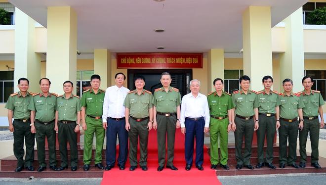 Bộ trưởng Tô Lâm kiểm tra công tác tại Công an tỉnh Sóc Trăng - Ảnh minh hoạ 5