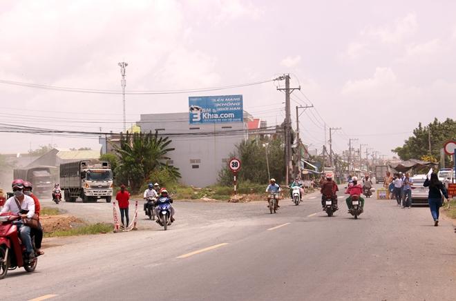 Túc trực 24/24 đảm bảo an toàn cho người dân tại khu vực sạt lở - Ảnh minh hoạ 6