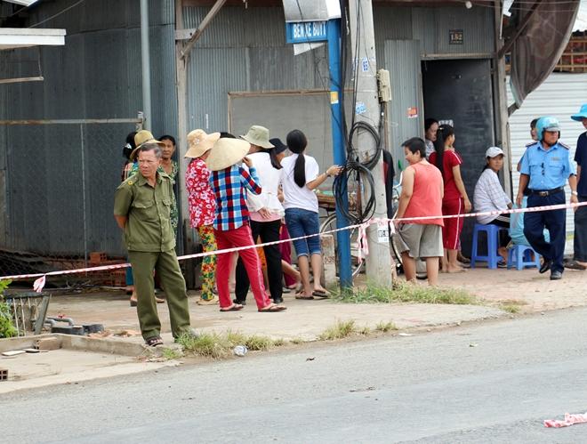 Túc trực 24/24 đảm bảo an toàn cho người dân tại khu vực sạt lở - Ảnh minh hoạ 3