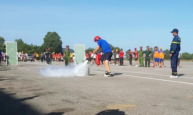 Huyện đảo Phú Quốc tổ chức hội thao kỹ thuật chữa cháy và cứu nạn cứu hộ - Ảnh minh hoạ 2