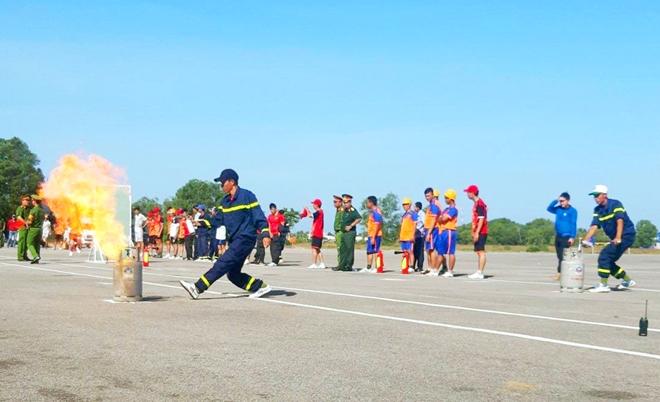 Huyện đảo Phú Quốc tổ chức hội thao kỹ thuật chữa cháy và cứu nạn cứu hộ - Ảnh minh hoạ 3