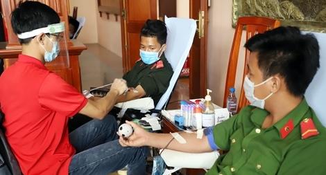 CBCS Công an tỉnh Hậu Giang tham gia hiến máu tình nguyện
