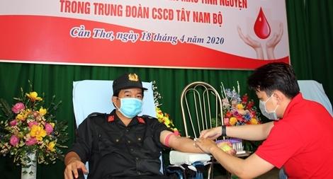 Trung đoàn CSCĐ Tây Nam Bộ phát động hiến máu tình nguyện năm 2020