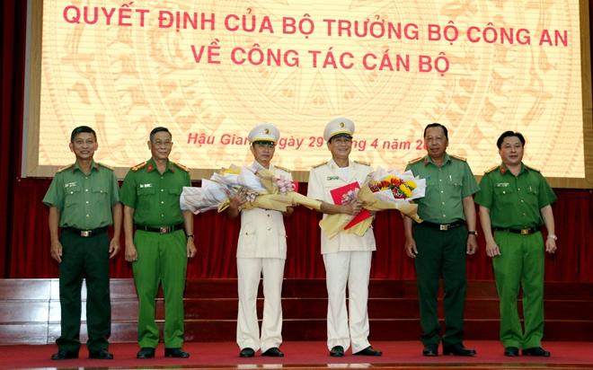 Thượng tá Huỳnh Việt Hòa giữ chức vụ Giám đốc Công an tỉnh Hậu Giang - Ảnh minh hoạ 6