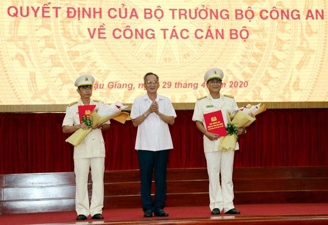 Thượng tá Huỳnh Việt Hòa giữ chức vụ Giám đốc Công an tỉnh Hậu Giang - Ảnh minh hoạ 2