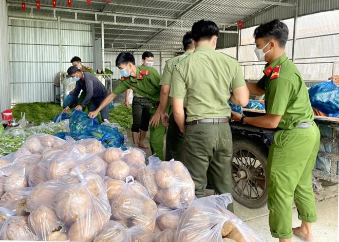 Công an An Giang gửi tặng TP Hồ Chí Minh 30 tấn nông sản - Ảnh minh hoạ 7