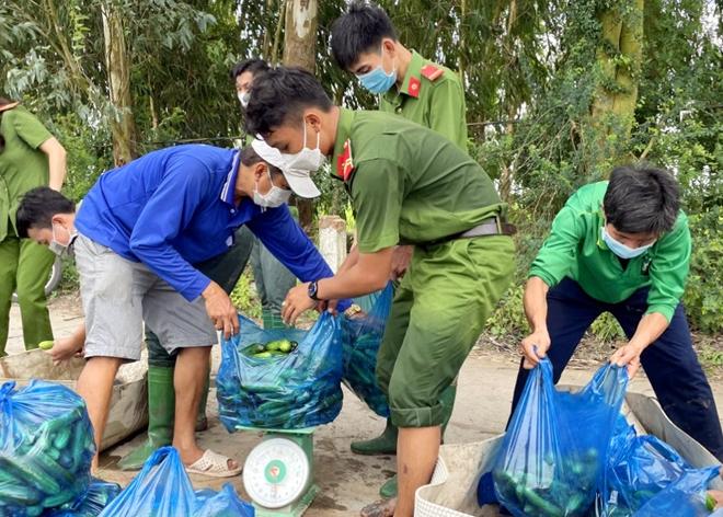 Công an An Giang gửi tặng TP Hồ Chí Minh 30 tấn nông sản - Ảnh minh hoạ 9