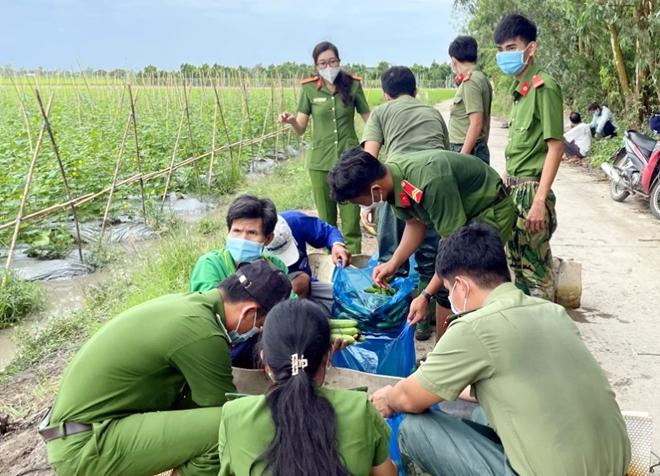 Công an An Giang gửi tặng TP Hồ Chí Minh 30 tấn nông sản - Ảnh minh hoạ 10