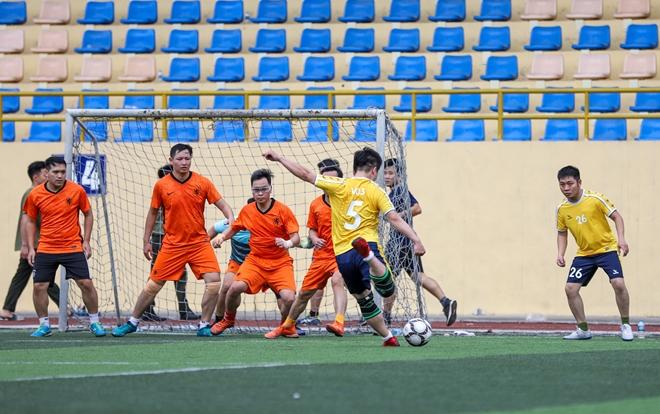 Sôi nổi Giải bóng đá khối tham mưu, xây dựng lực lượng CAND năm 2021 - Ảnh minh hoạ 7
