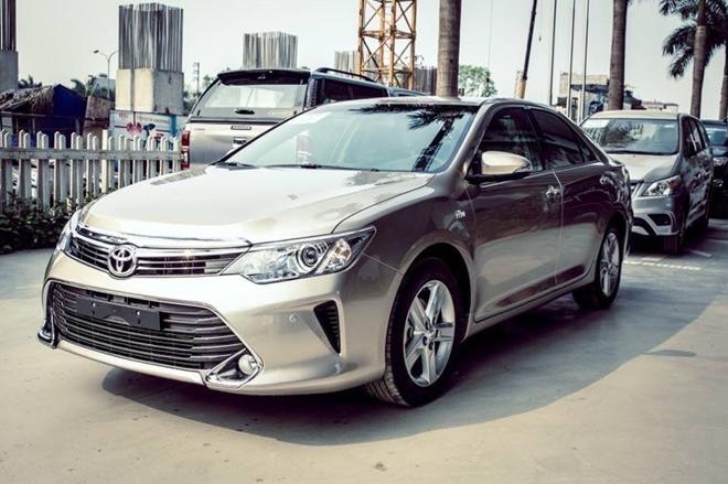 Toyota Camry tại Việt Nam sắp có bản giá rẻ?