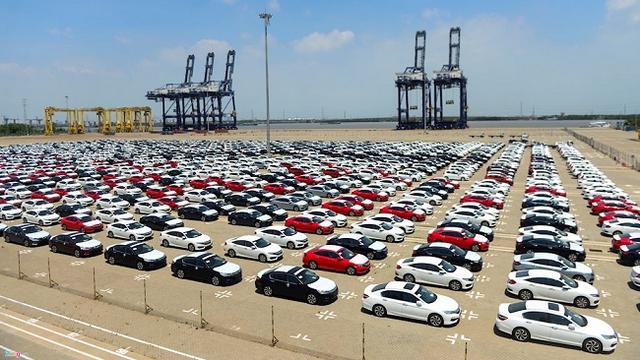 Xe nhập khẩu từ Thái Lan đang chiếm số lượng lớn ở thị trường Việt Nam - Ảnh minh hoạ.
